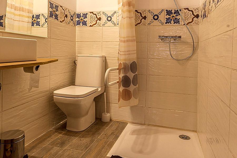 Baño habilitado para minusválidos
